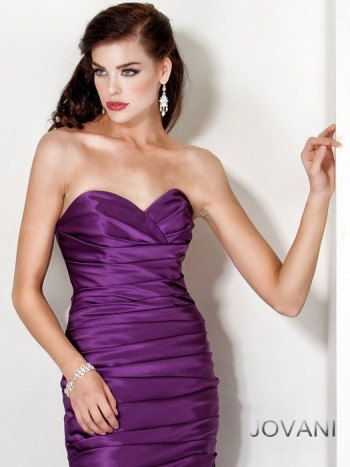 Wear African violet with pearls to portray your classy side